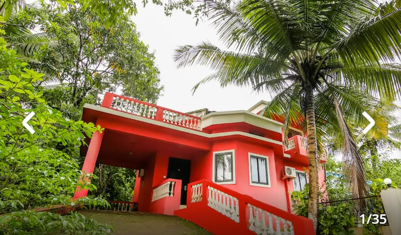 LAVISH 3BHK PRIVATE GOAN VILLA near pool, gardens
