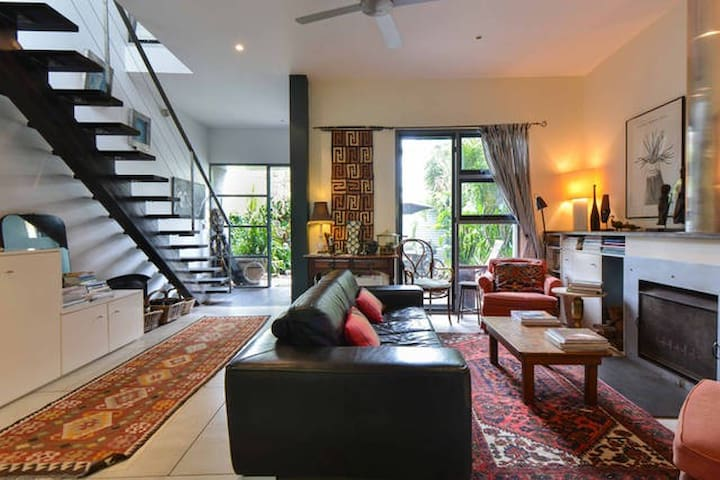 Sth Melbourne Tropical Retreat