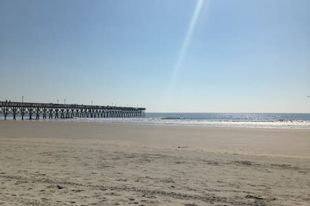 Cottage by the Sea - North Myrtle Beach