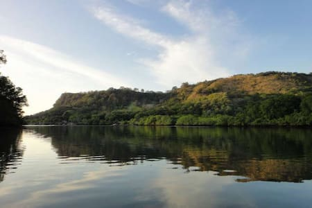 Al Borde Del Agua, Relax y Surf - Barranca