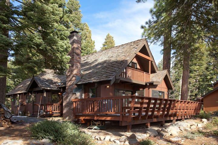 Lake View Tahoe Vista Cabin - Tahoe Vista - Cabane