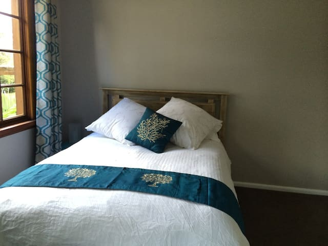 Luxury Double Bedroom in Collaroy - Collaroy Plateau
