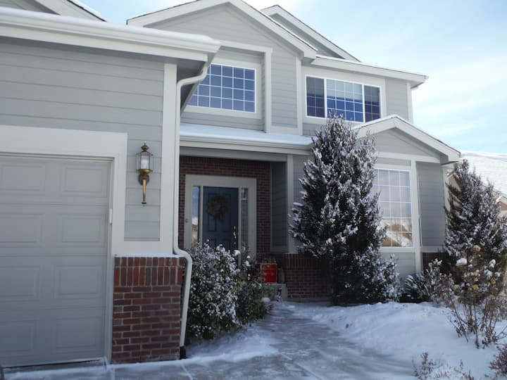 5500 sq ft Social Distance Haven 1 mile from USAFA