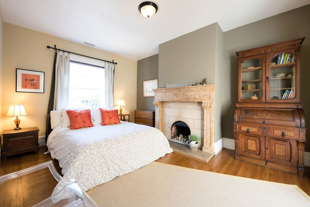 Fireplace has LED candles, and theres a writing desk.  We provide a guidebook of favorite places, sights, restaurants & maps.