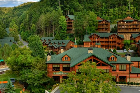 Stay in the Smokies! - Gatlinburg