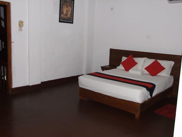 256 Townhouse Rest Kandy Sri Lanka.