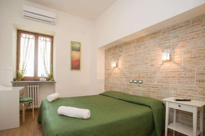 "B&B La Rocca- room ""La Fornella"" - Caprarola - Bed & Breakfast"