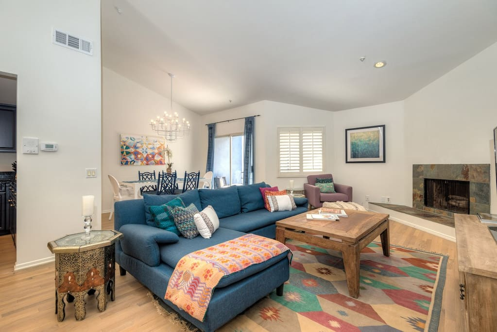 West Hollywood 2 Bedroom Townhouse W Loft Balcony Apartments For Rent In West Hollywood