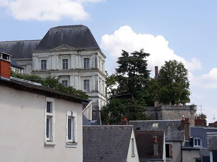 Vue du salon sur château