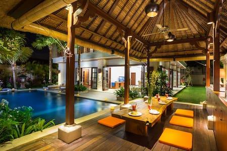 La Bali Villa 3 Bedroom Rate - South Denpasar - Villa