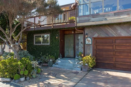 Opal Cliff Beach House-19 YEARS - SUPER CLEAN