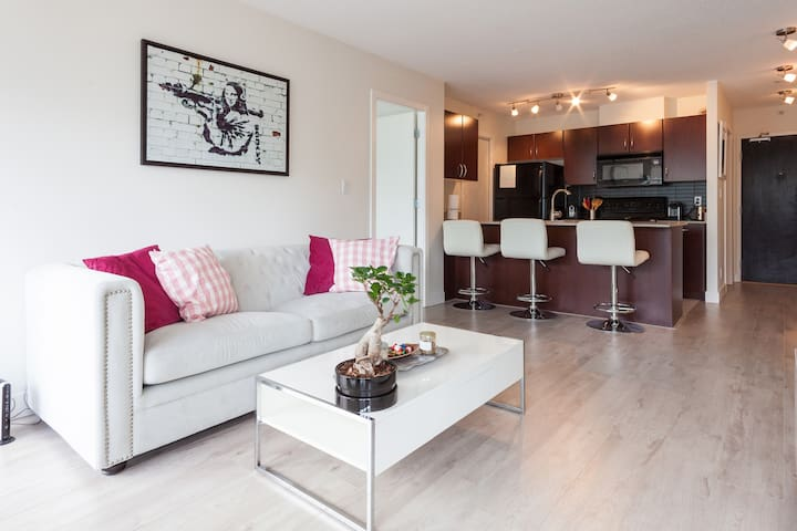 Beautiful 2bdr in heart of downtown - Vancouver - Appartement en résidence