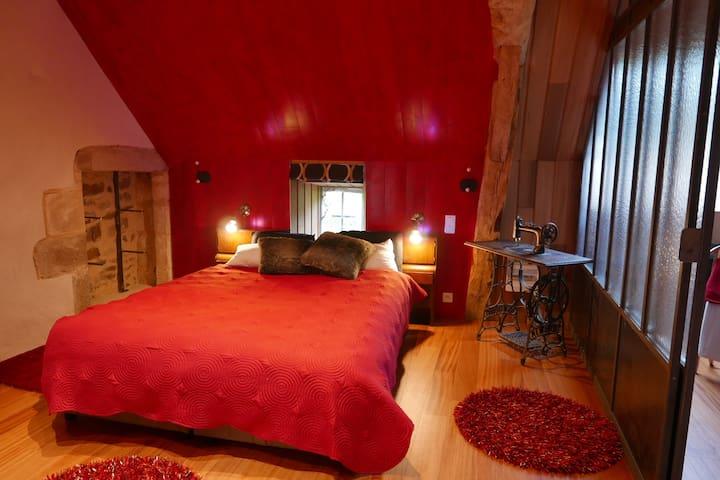 UNE NUIT INSOLITE - La Lande-de-Goult - Bed & Breakfast