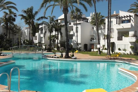 Garden apartment close to beach - Estepona