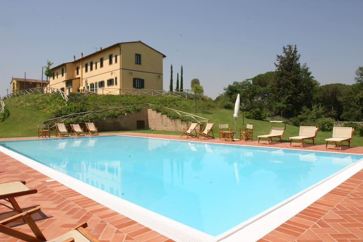 Large house & pool close Florence - Montopoli in Val D'arno - Vila