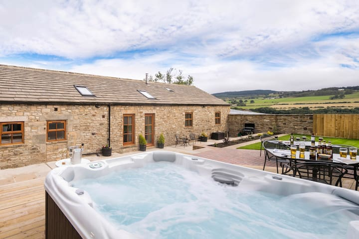Converted Milking Barn with Hot Tub