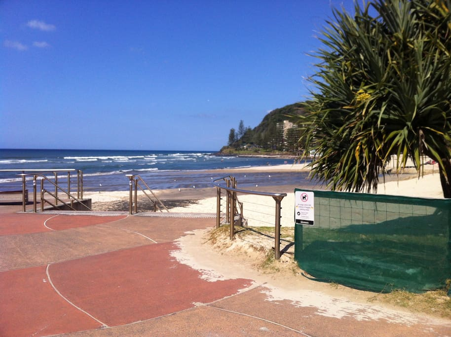 Snapshot of Burleigh Headland 200metres from your stay.