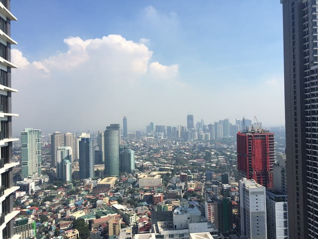 Beautiful View From 55f Knightsbridge Apartments For Rent In Makati Kalakhang Metro Manila