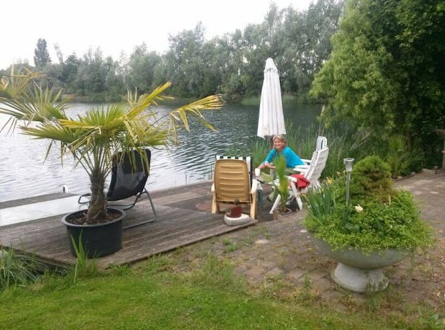 Prachtige Betuweplek aan het water - Elst - บ้าน