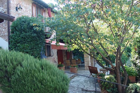 Charming cottage in Umbria, Italy - Civitella