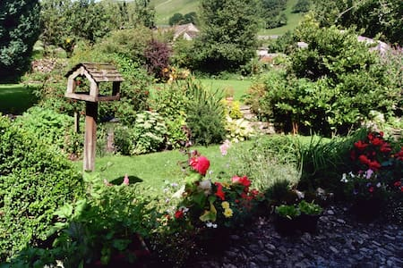 Pennycroft Country Dales Cottage in Kettlewell. - Bed & Breakfast