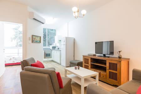 Kfar Saba center renovated 2 bedrooms #37 - Lägenhet