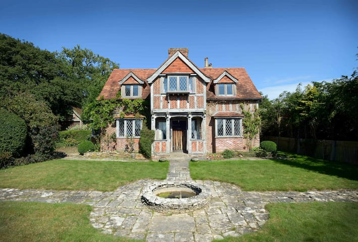 Family-friendly, Cosy Country House - Crawley - Hus