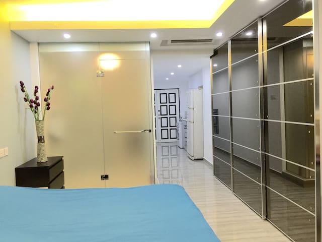 promo: CBD Beautiful Studio Apartment w Great View - Singapore - Huoneisto