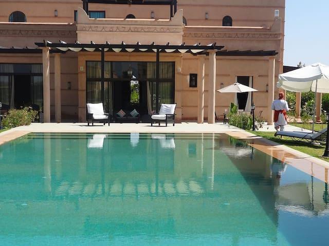 Villa Fleurs de Marrakech 4 chambres - Marrakech - Talo