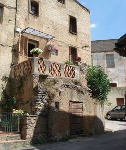 maison de village typique corse - Moltifao