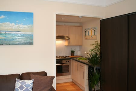 Bournemouth Seaside Apartment - Bournemouth - Apartment