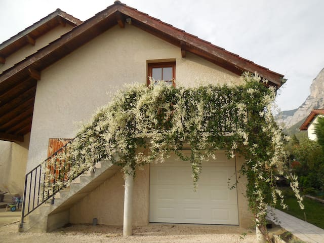 Rental apartment in the countryside - La Terrasse - Apartemen