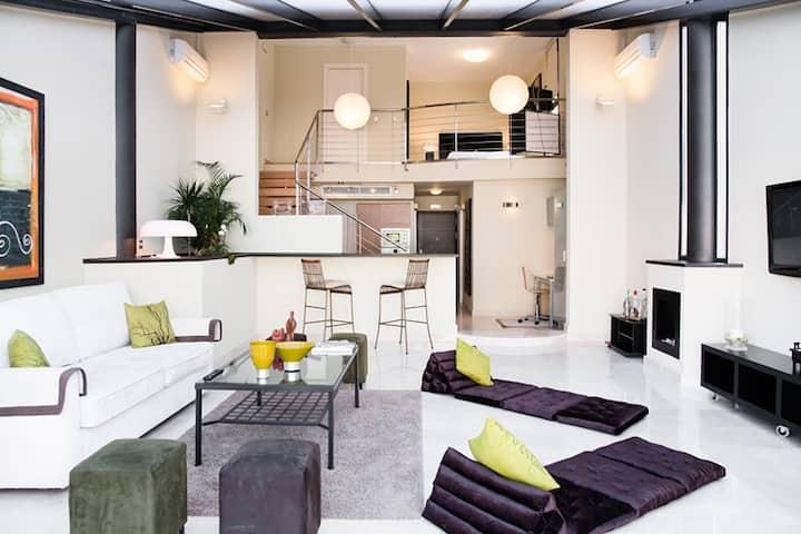Lujoso LOFT con 2 dormitorios, piscina y parking