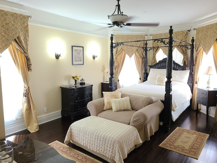 Black Walnut Suite @ Cherry Tree Inn B&B