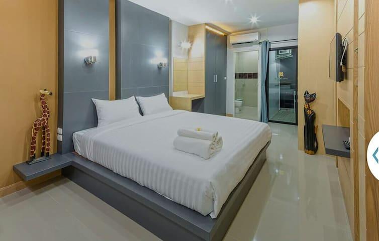 New/clean room,6mins to Rawai Beach - Chalong,