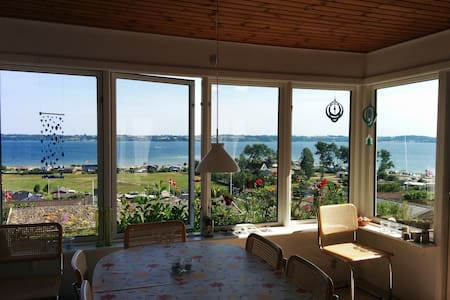 Cottage with beautiful views - Aabenraa