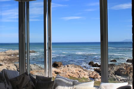 Beautiful Seafront Beach House - De Kelders