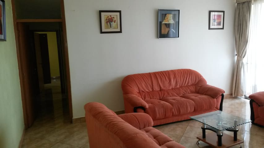 CUB12: Two Bedroom Furnished Apartment!!
