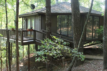 Mountain Paradise, Tree Top Cabin in Big Canoe - Jasper - Zomerhuis/Cottage