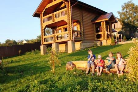Два уютных домика из дерева - Большое Новосурино - Hus
