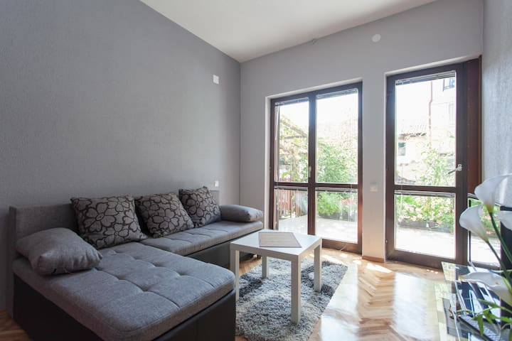 Apartments Four Roses, Ohrid MKD - Ohrid - House