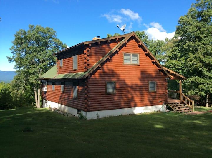 Catskills Log Home, Stunning Views