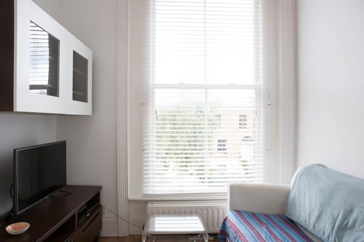 Charming mezzanine 1 bed apartment