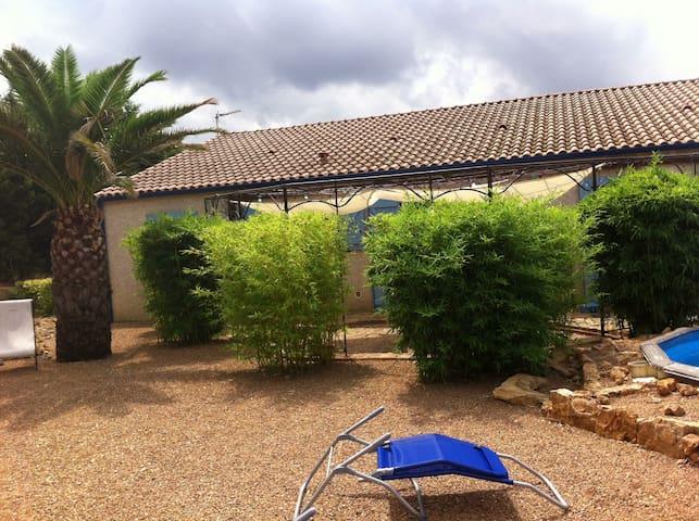 La villa de pierres ! - Saint-André-de-Roquelongue - Huvila