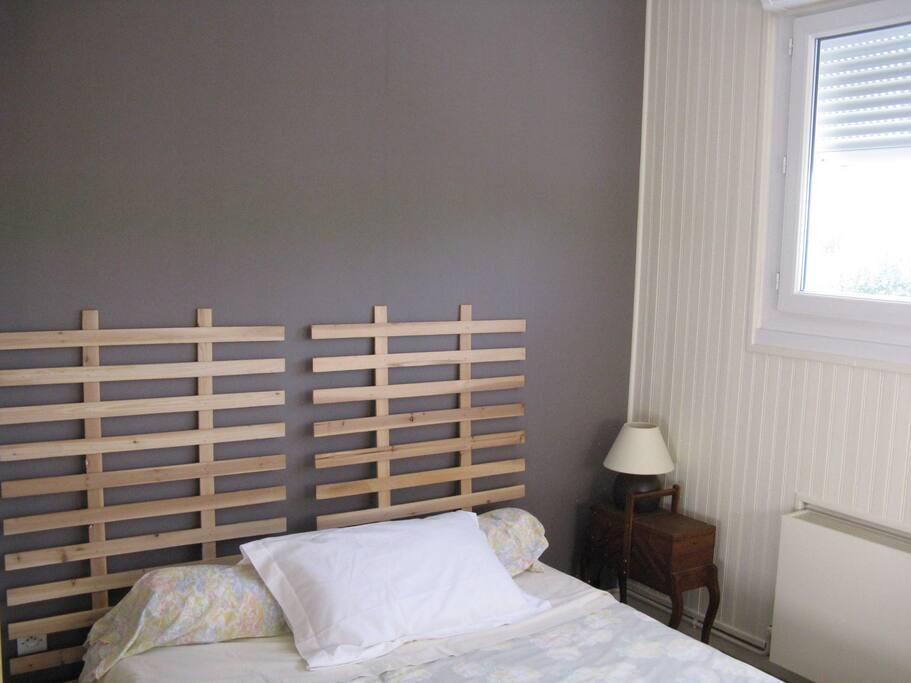 arnage lit double maisons louer arnage pays de la loire france. Black Bedroom Furniture Sets. Home Design Ideas