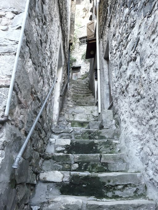 The seep stair to the apartment