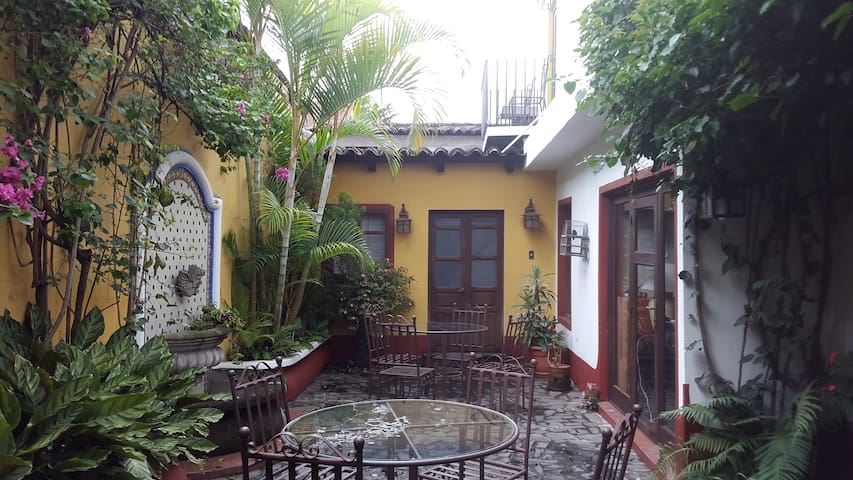 Nice apartment near Central Park - Antigua Guatemala