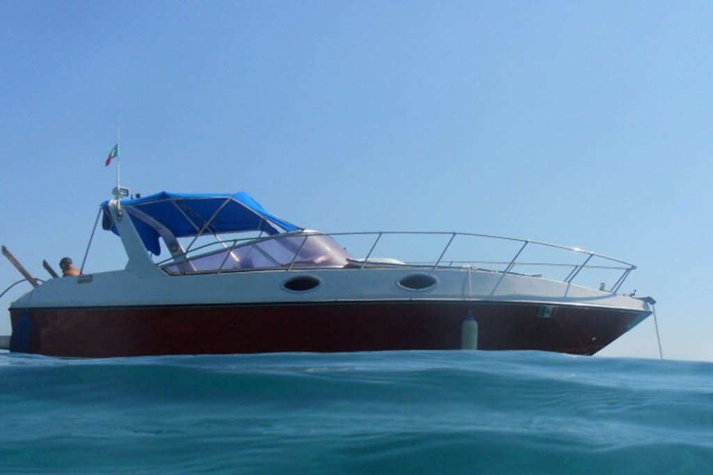 Navigando Boat