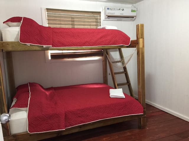 Bocas Surf School & Guest House - Private room #2