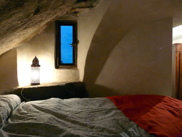 magic stone carved renovated apt - Ceriana